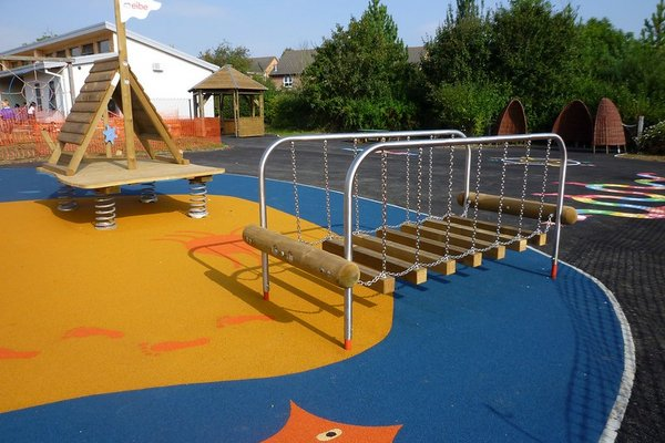 Emerson Valley, Howe Park Primary School - 4/10