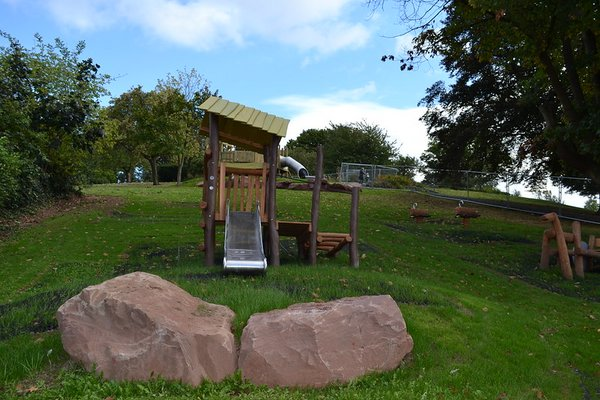 Worcester, Fort Royal Hill Play Area - 4/10