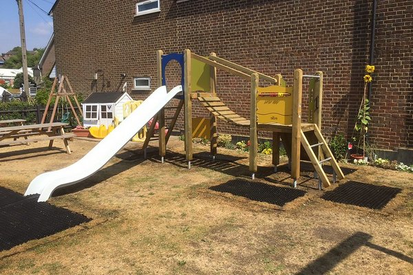 Chesham, Jolly Sportsmann Pub Playground - 1/2